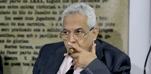Eurico Miranda fez reunião emergencial após saída de presidente do conselho fiscal