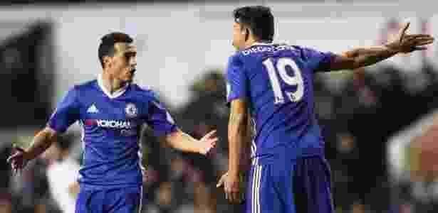 Diego Costa discute com Pedro durante partida do Chelsea no Campeonato Inglês - Reprodução - Reprodução