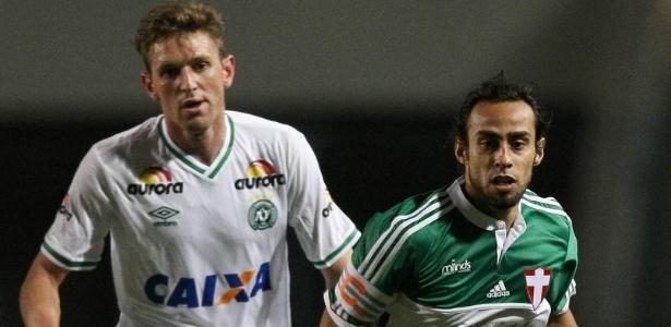 Valdivia está sem contrato e pode negociar com qualquer clube
