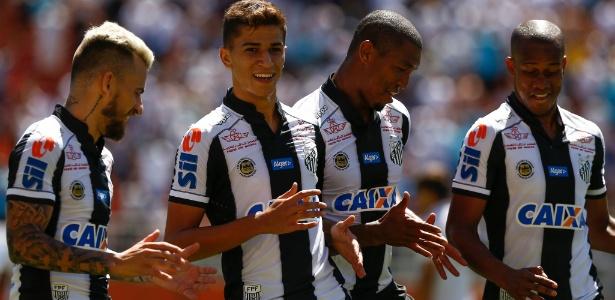 Ataque do Santos convenceu apenas nas primeiras rodadas. Depois empacou - Marcello Zambrana/AGIF