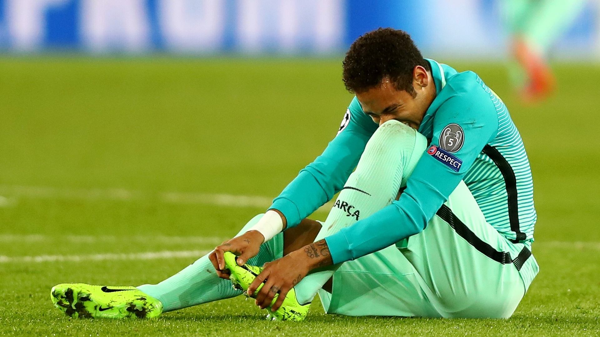Neymar durante jogo da Liga dos Campões entre Barcelona e PSG