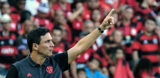 Zé Ricardo quer liderança do grupo para definir jogos classificatórios no Maracanã