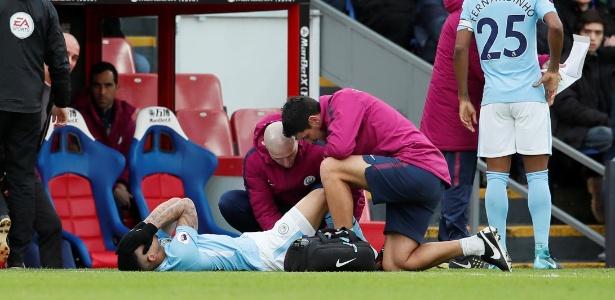 Gabriel Jesus sente lesão no último jogo de 2017