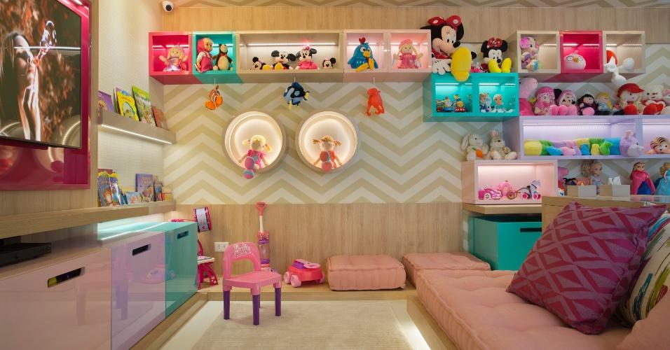 Na casa há também uma brinquedoteca para as duas filhas do casal brincarem quando estiverem no Brasil