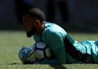 Na mira do Santos, goleiro treina separado do elenco no Ceará - Buda Mendes/Getty Images