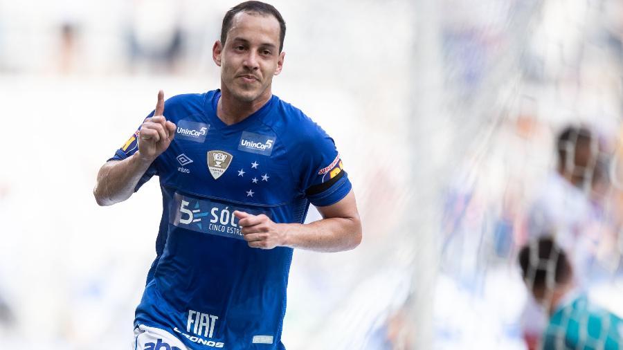 51dfeb1dc0320 Rodriguinho marca e dá assistência em vitória do Cruzeiro contra ...