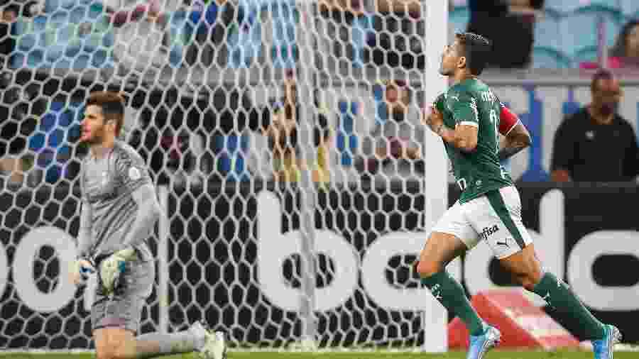 Dudu comemora gol contra o Grêmio no Brasileirão: bola na rede aos 14 minutos - Pedro H. Tesch/AGIF
