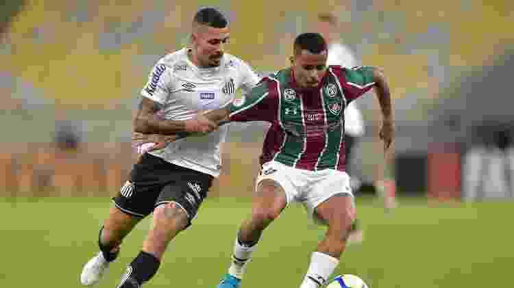 Alison e Allan, durante partida entre Fluminense e Santos - Thiago Ribeiro/AGIF
