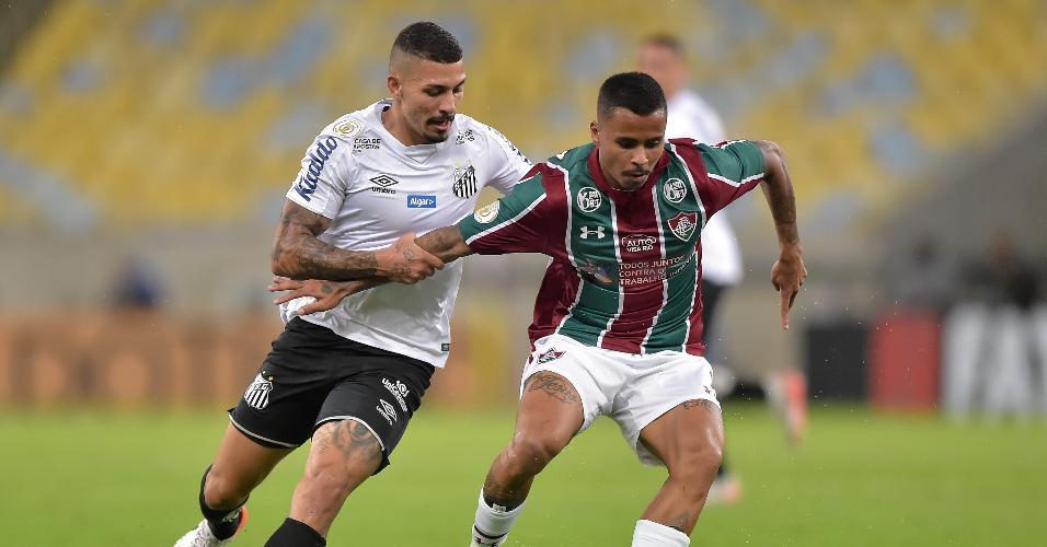Alison e Allan, durante partida entre Fluminense e Santos