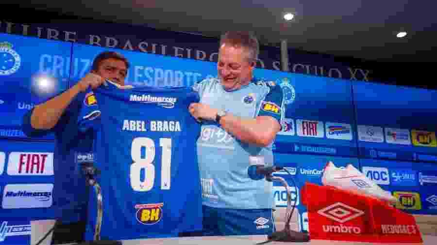 Abel Braga quando foi apresentado como técnico do Cruzeiro - Vinnicius Silva/Cruzeiro