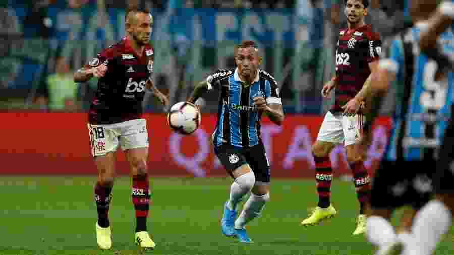 Na avaliação da comissão técnica do Grêmio, os jogadores estão desgastados -  Jeferson Guareze/AGIF