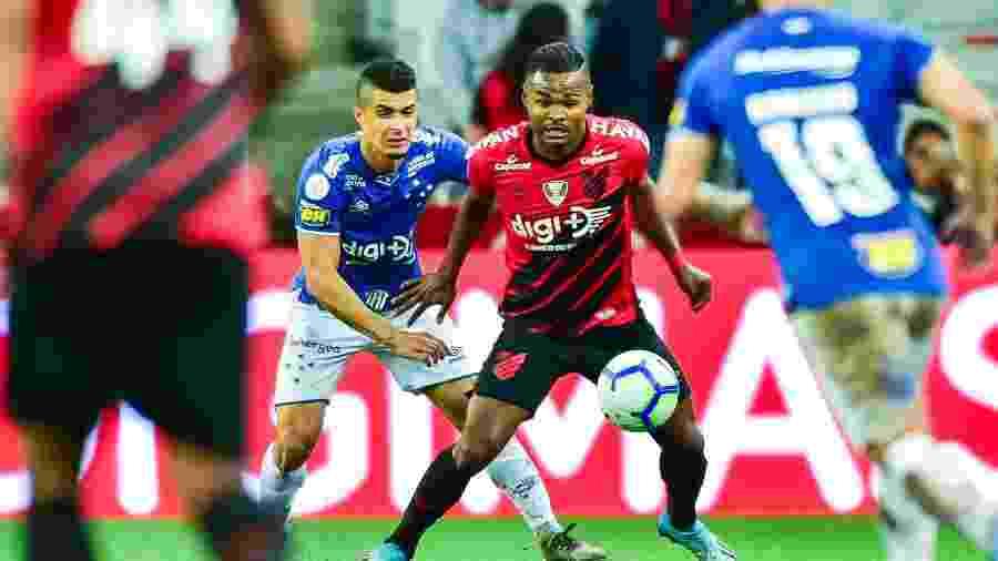 Suspenso, Nikão é um dos desfalques do Athletico contra o Ceará - Jason Silva/AGIF