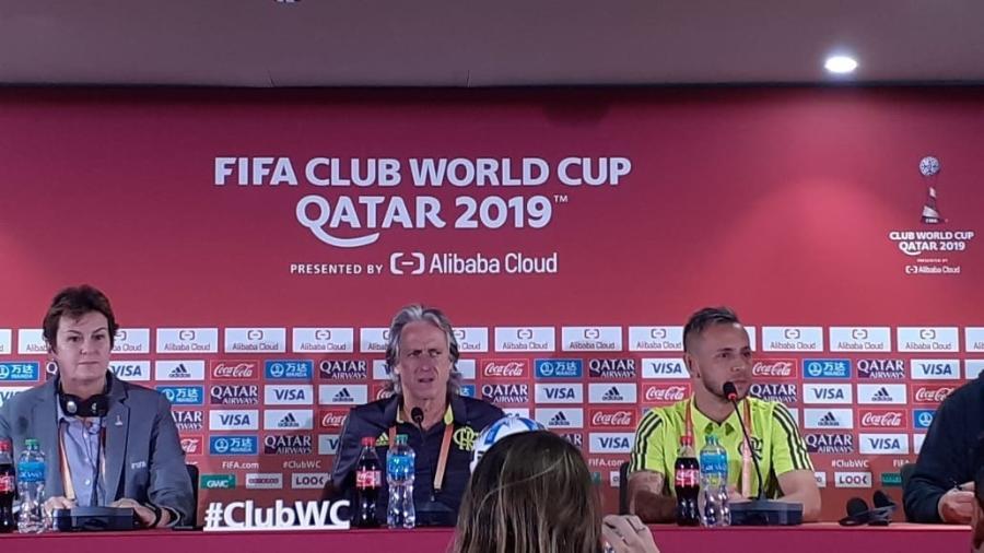 Técnico Jorge Jesus e lateral Rafinha, do Flamengo, concedem entrevista coletiva no Mundial de Clubes - Leo Burlá / UOL
