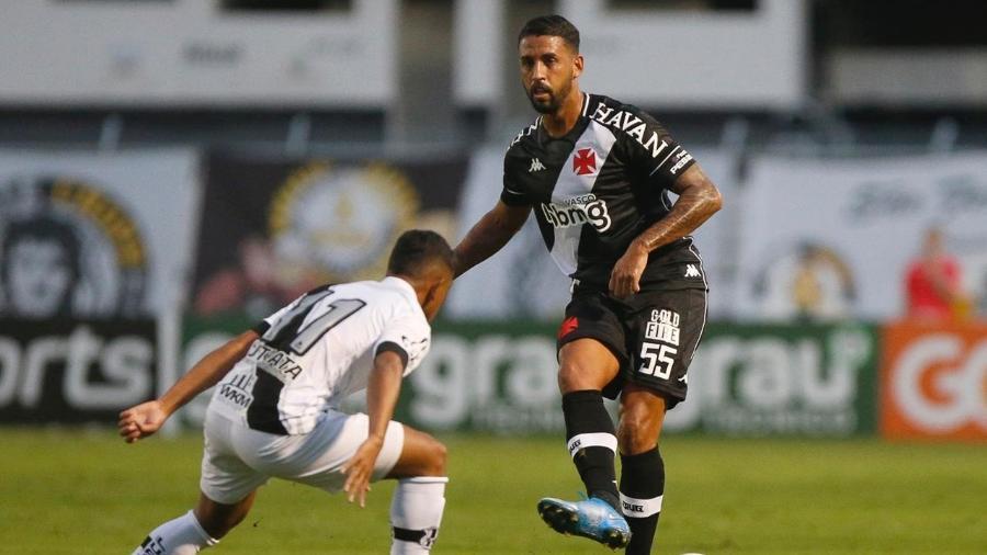Michel fez sua estreia pelo Vasco: volante não jogava uma partida oficial desde 22 de fevereiro de 2020 - Rafael Ribeiro / Vasco
