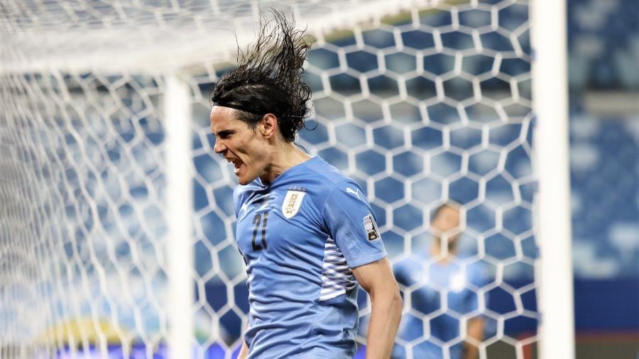Cavani vibra bastante com o seu primeiro gol marcado na Copa América: Uruguai venceu a Bolívia por 2 a 0 - Twitter da seleção uruguaia