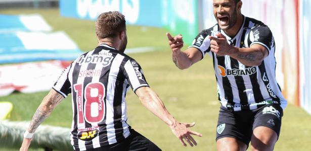 3 a 0 no Brasileirão   Atlético-MG vence Bahia no 'parabéns de Hulk' e evita disparada do Palmeiras