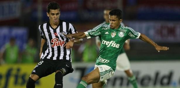 Erik começará a partida contra o River Plate-URU como titular