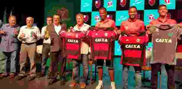 Inicialmente, Carabao estampará marca nas mangas da camisa do Flamengo - UOL