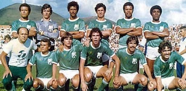 Casagrande, agachado e ao centro, pela Caldense: passagem marcante em 1981