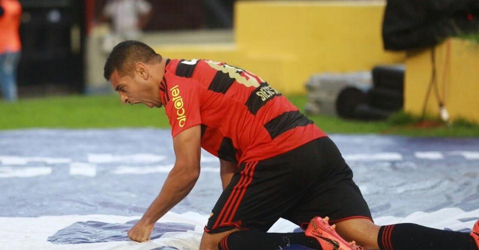 Diego Souza comemora gol pelo Sport com imitação de leão e rugido