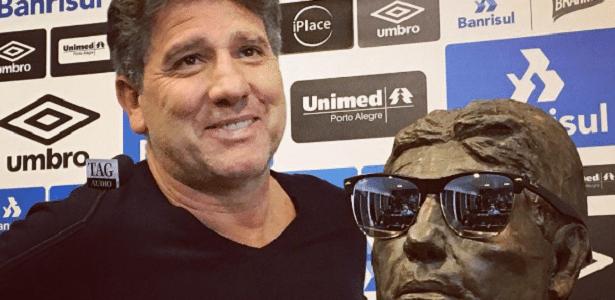 Treinador falou sobre saídas de Pedro Rocha, Bolaños e Lincoln além de lesões