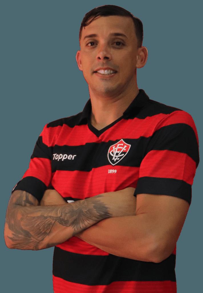 Pedro Roberto da Silva Botelho, lateral esquerdo do Vitória