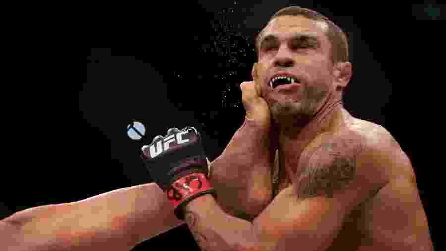 Vitor Belfort é nocauteado por Lyoto Machida no UFC 224, no Rio - RICARDO MORAES/REUTERS