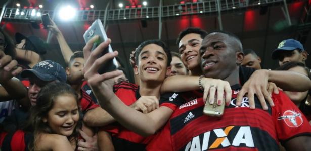Vinicius Júnior está próximo de anunciar a despedida do Flamengo de maneira oficial