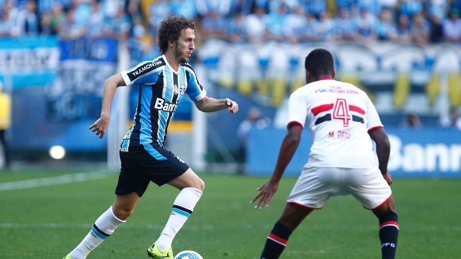 Rafael Galhardo jogou o Brasileirão 2015 pelo Grêmio e volta para disputar posição no atual elenco - Divulgação/Grêmio