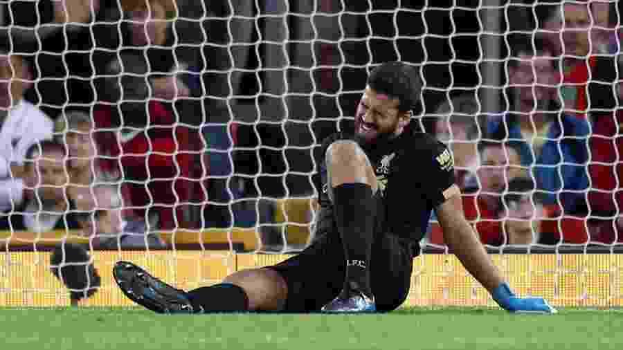 Alisson sofreu lesão muscular durante a partida entre Liverpool e Norwich na última sexta-feira - Reuters/Carl Recine