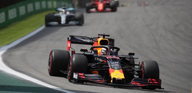 Fórmula 1 | Verstappen vence GP do Brasil marcado por batida entre Ferraris
