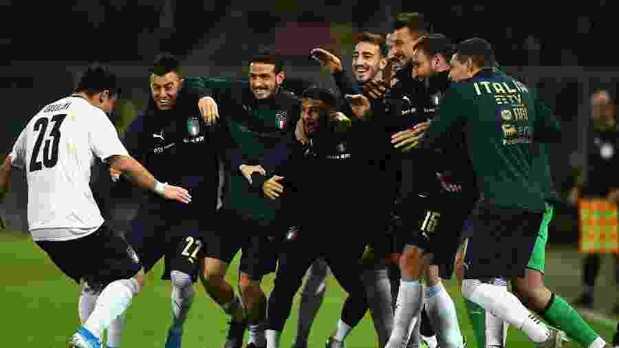 Jogadores da Itália comemoram goleada sobre a Armênia - Claudio Villa/Getty Images