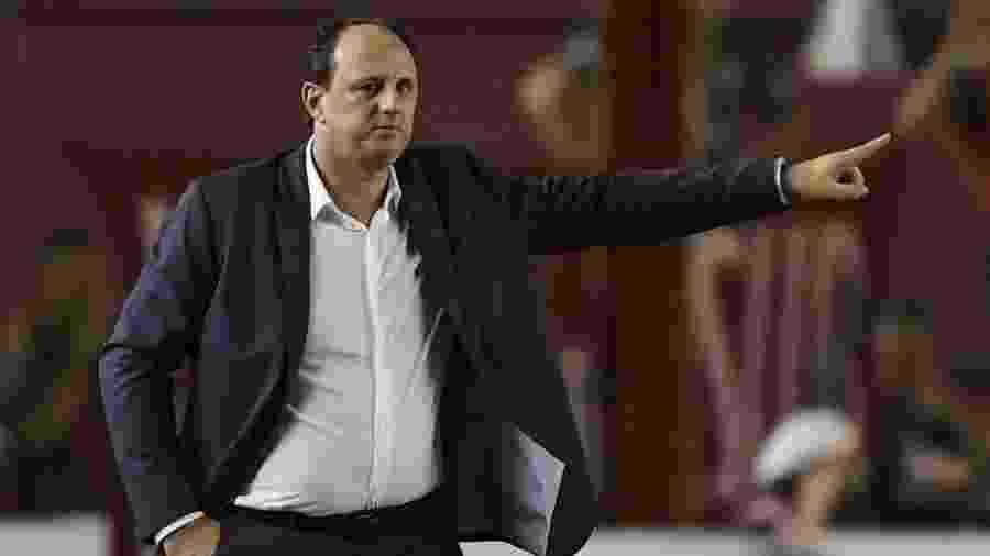 Rogério Ceni comanda o Fortaleza contra o Independiente pela Sul-Americana - Juan Mabromata/AFP