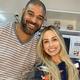 Pizza, Netflix e pijamas: Adriano Imperador dá dicas para a quarentena