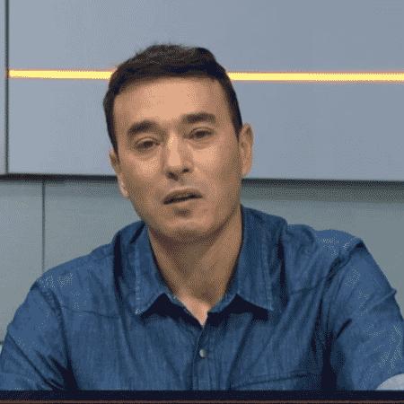 André Rizek chora ao comentar morte de Rodrigo Rodrigues - Reprodução