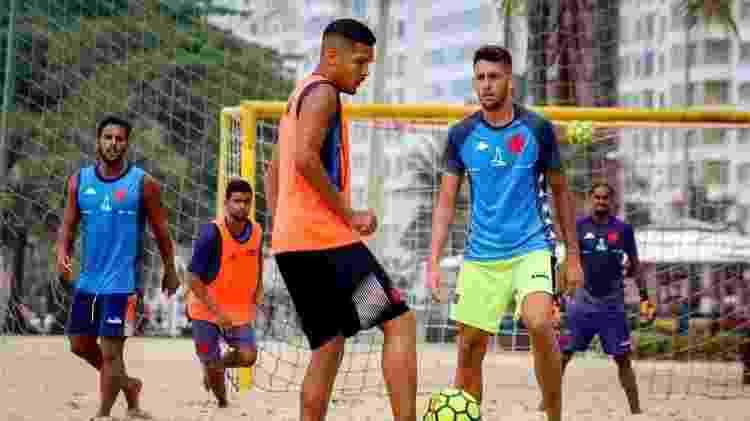 Jogadores do Vasco Beach Soccer treinam com shorts da Diadora, antiga fornecedora de material esportivo - Divulgação / Instagram do Vasco Beach Soccer - Divulgação / Instagram do Vasco Beach Soccer