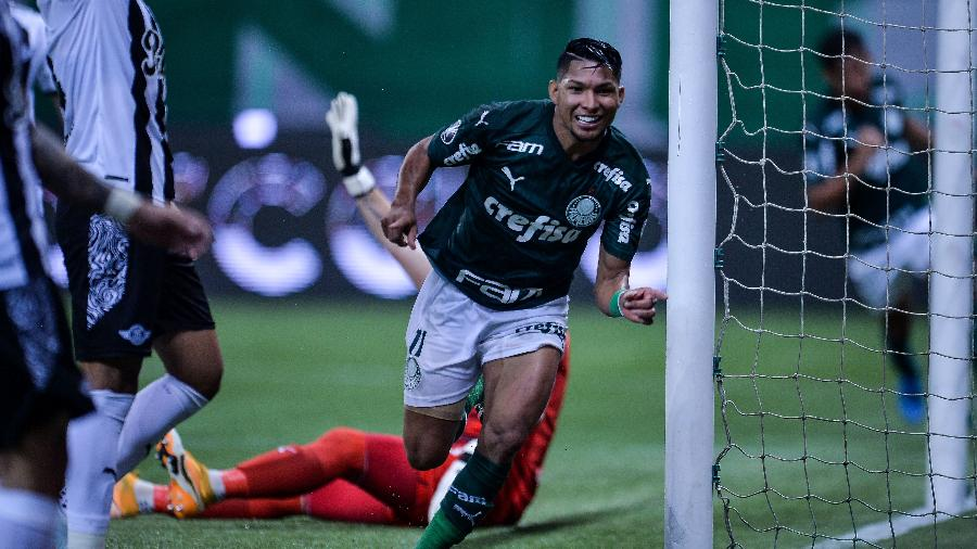 Rony comemora gol pelo Palmeiras contra o Libertad, pela Libertadores - Duda Bairros/Conmebol