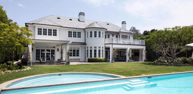 LeBron James põe mansão de R$ 115,6 milhões à venda em Los Angeles