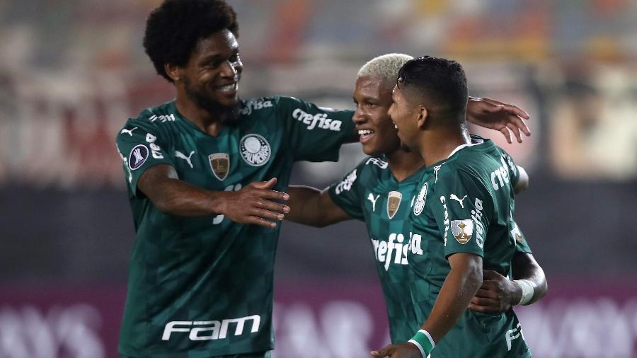 Jogadores do Palmeiras comemoram gol contra o Universitario, em Lima, pela Libertadores - Getty Images