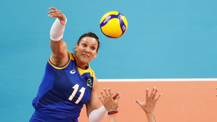 Tandara, durante partida da seleção feminina de vôlei nas Olimpíadas de Tóquio - REUTERS/Carlos Garcia Rawlins
