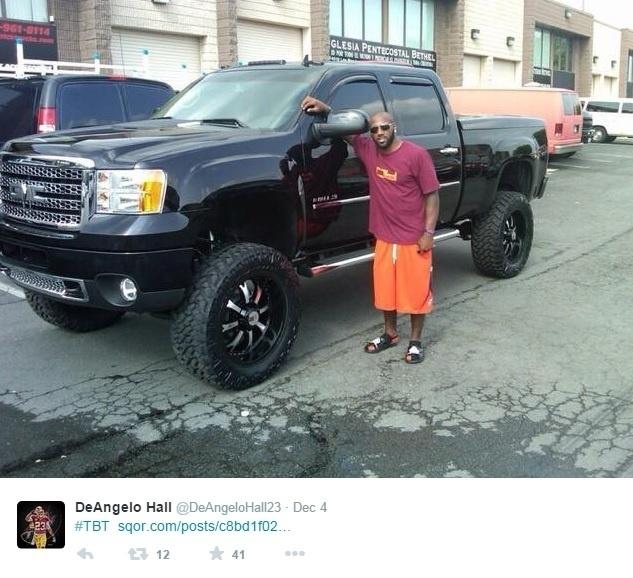 DeAngelo Hall, do Washington Redskins, também já divulgou fotos com carros nas redes sociais