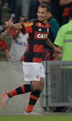 Alan Patrick comemora após marcar para o Flamengo