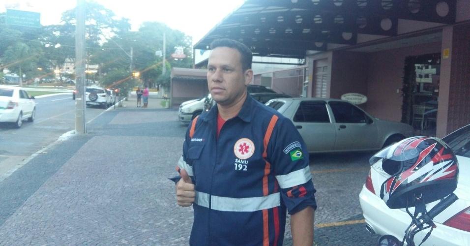 O socorrista Cleuber Nunes, 32 anos, que fez tatuagem em homenagem ao goleiro Rogério Ceni