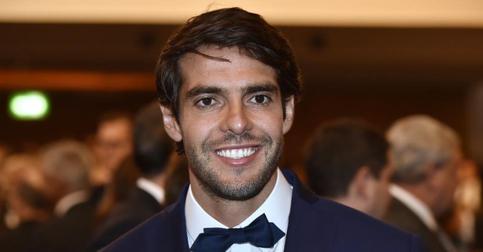 Kaká e o responsável pela entrega do prêmio ao melhor jogador do mundo