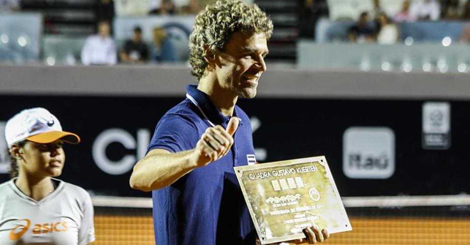 Gustavo Kuerten é homenageado durante o Rio Open. Quadra central passará a levar o nome do ex-tenista