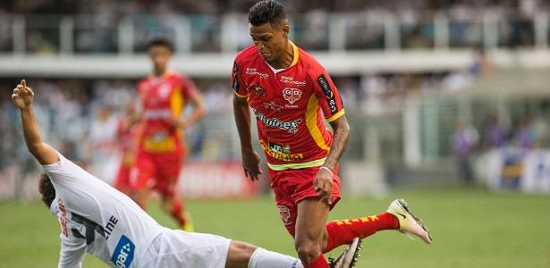 Bruno Paulo em ação pelo Audax contra o Santos, na final do Paulistão