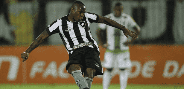 Sassá é o artilheiro do Botafogo em 2016, mas não enfrenta o Palmeiras domingo - Vitor Silva / Botafogo / SS Press