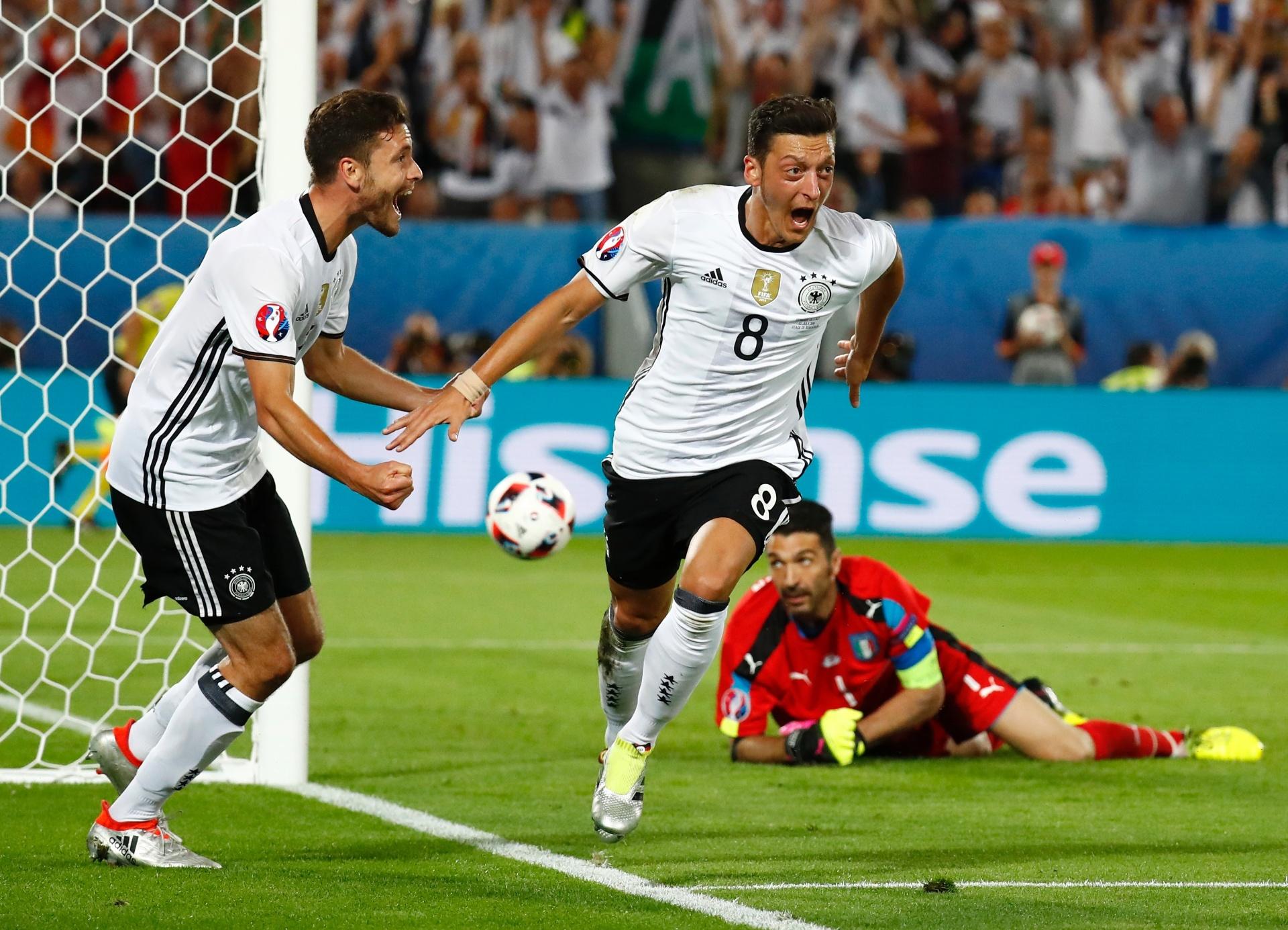 de483cc878 Alemanha passa no drama dos pênaltis na Euro sem quebrar tabu contra Itália  - 02 07 2016 - UOL Esporte