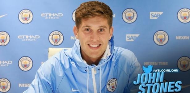 John Stones assinou por seis anos com o time do técnico Guardiola