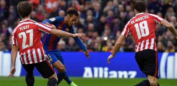 Grupo de estudo concluiu que Neymar é quem mais tenta o drible, mas é o 4º quem melhor executa